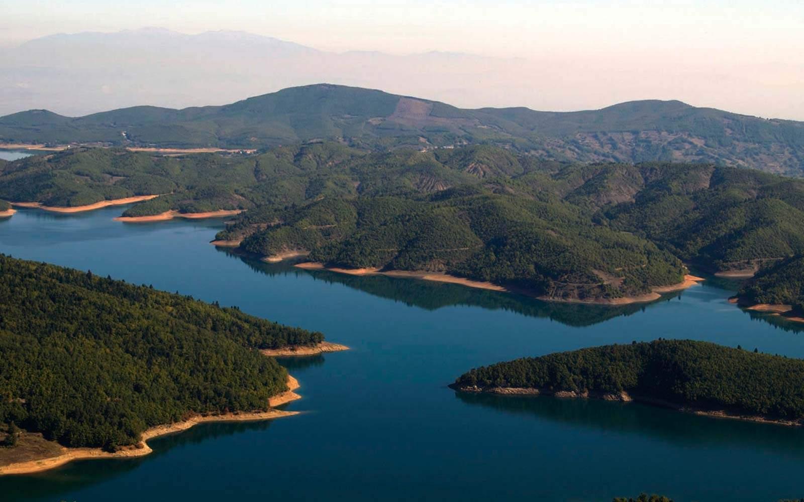 Plastira Lake, Naiades hotel: Plastiras lake hotels rooms ...