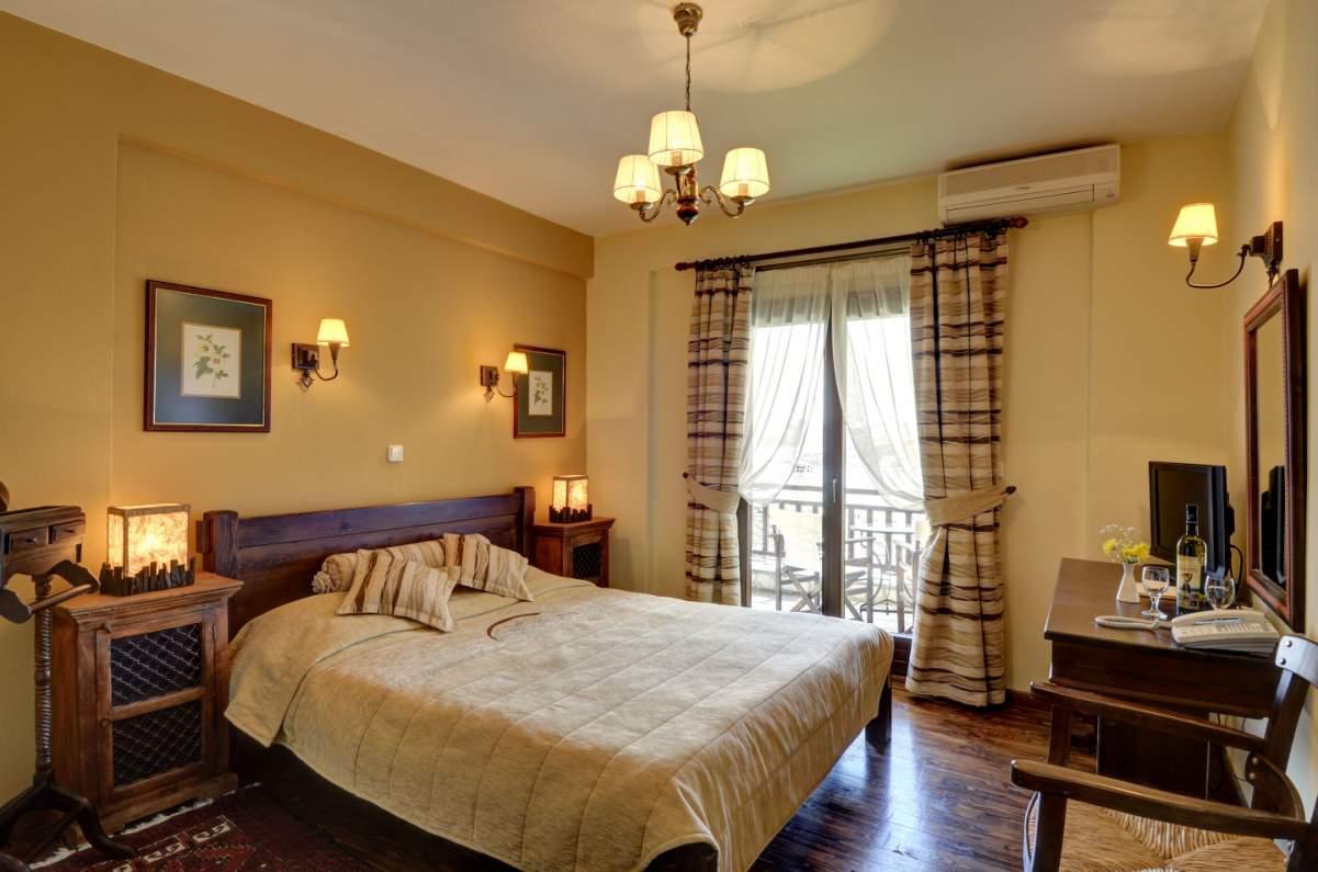plastira lake karditsa suites jacuzzi fireplace